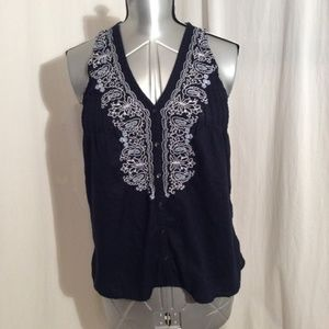 Converse Sleeveless Embroidered Blouse